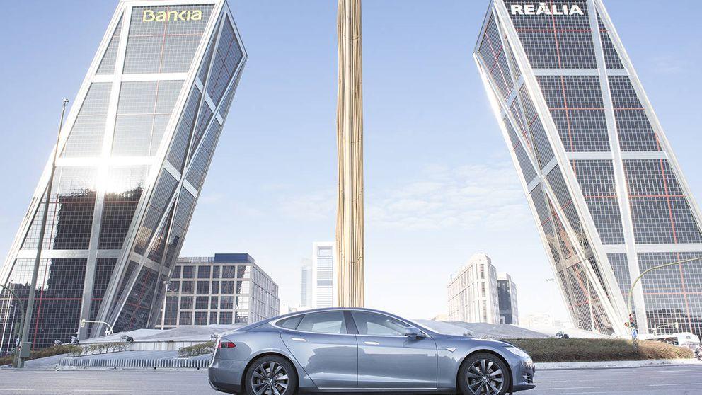 Uber y Tesla se alían para lanzar una flota de coches eléctricos en Madrid
