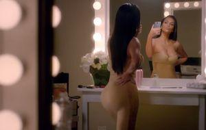 Kim Kardashian se ríe de sí misma: No tires gigas, úsalos para ver mis fotos