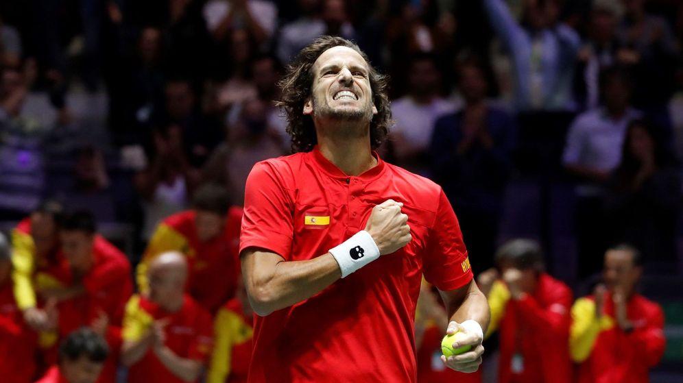Foto: Feliciano López celebra el paso de España a la final de la Copa Davis. (EFE)