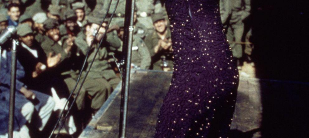 Foto: Marilyn Monroe, en el momento de visitar a las tropas de Corea (Gtres)