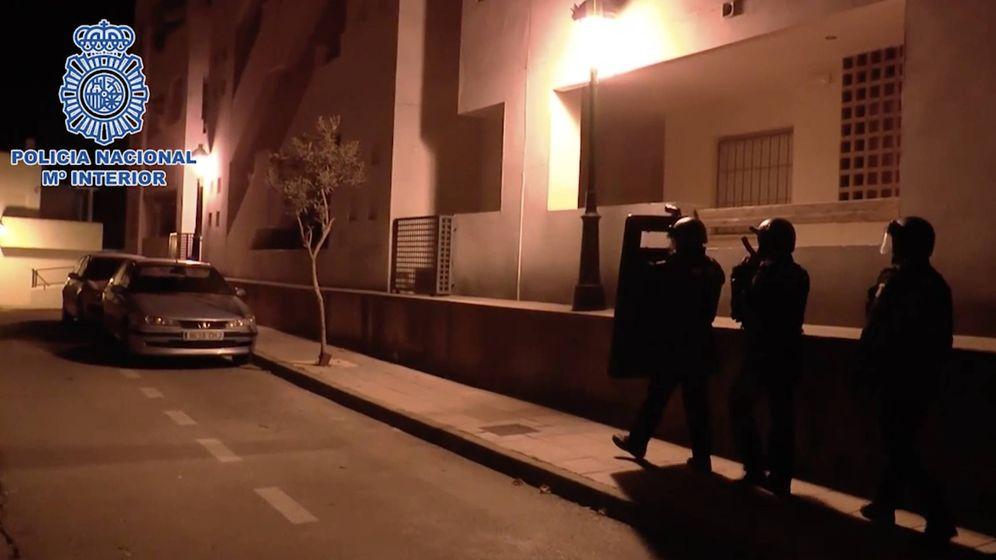 Foto: La operación en la que fue detenido el yihadista de Manilva. (Foto: Policía Nacional)