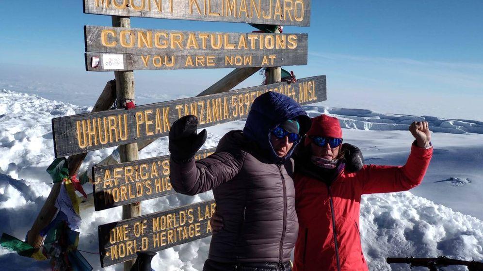 Foto: Ruth Moll y Ruth Gómez en el Kilimanjaro. (Reto Kilimanjaro 2018)