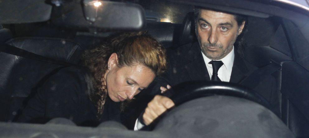 Foto: Yolanda García Cereceda y su actual pareja, Jaime Ostos Junior, en una imagen de archivo durante el funeral de Luis García Cereceda (Gtres)