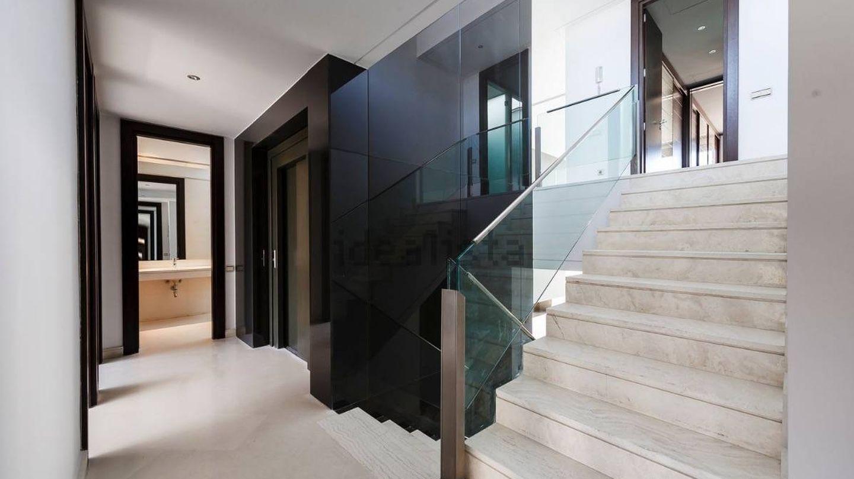 Las viviendas cuentan con ascensor interior para comunicar las 4 plantas. (Studio 24)