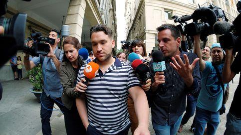 La Manada se va de vacaciones: 'El Prenda' a Ibiza y el guardia civil a Cádiz
