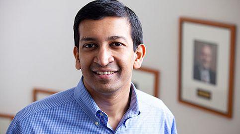 El hombre que ha cambiado la forma de enseñar Economía en Harvard