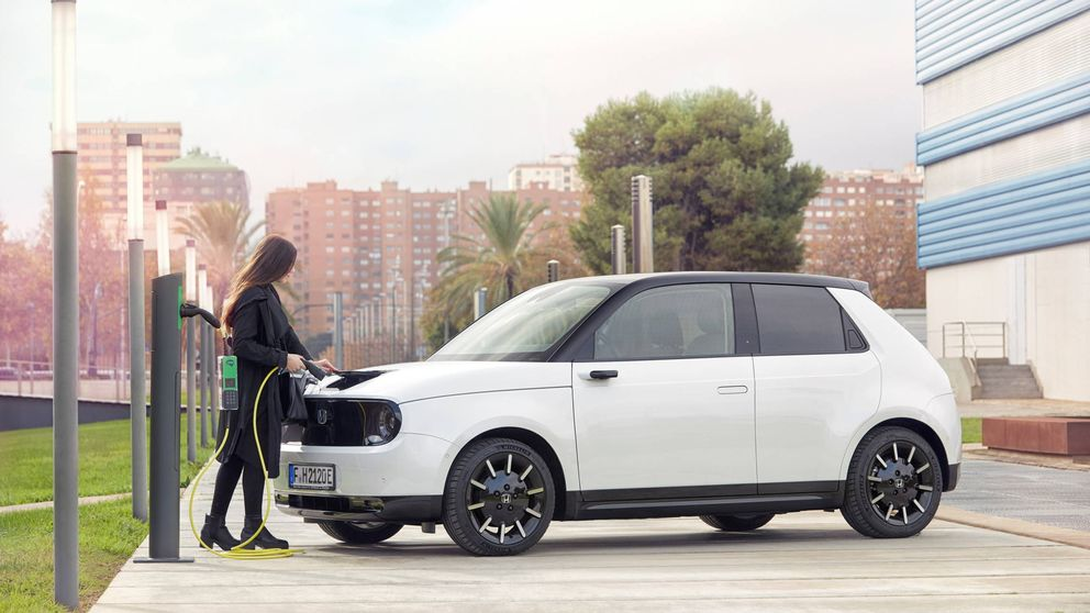 Por qué el primer coche eléctrico de Honda, el 'e', es tan extremadamente moderno