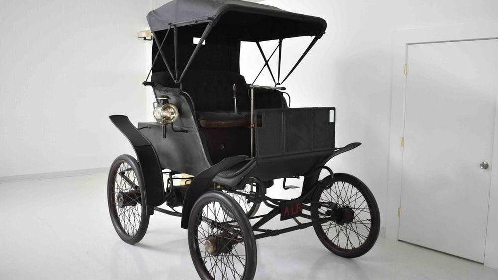 Foto: Un ejemplar único este Riker Electric Car de 1898. Foto: Worldwide Auctioneers