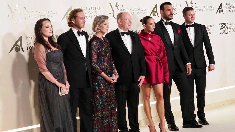 La familia real monegasca se viste de lujo para la alfombra roja