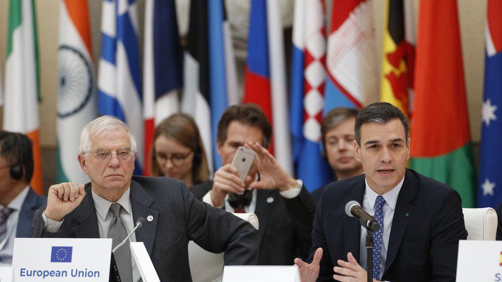 Foto: Borrell con Sánchez en una reunión en Madrid. (EFE)