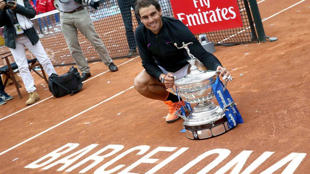 Foto: Nadal celebra su décimo título en Barcelona. (EFE)