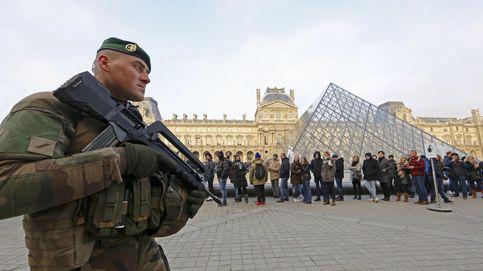 Un soldado francés dispara a un hombre que intentó acuchillarle en el Louvre