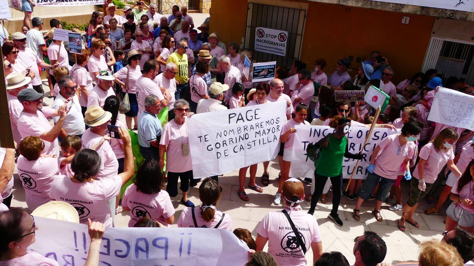 Foto: Manifestación en Villalba de la Sierra. (Pueblos Vivos)