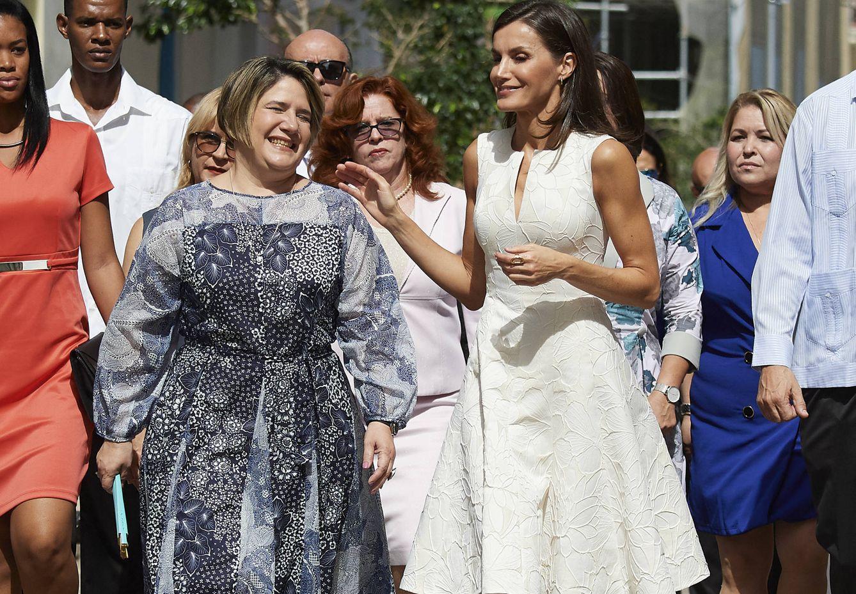 La Reina con la primera dama cubana. (Getty)