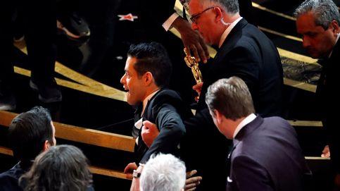La aparatosa caída de Rami Malek que no se vio: por las escaleras y Oscar en mano
