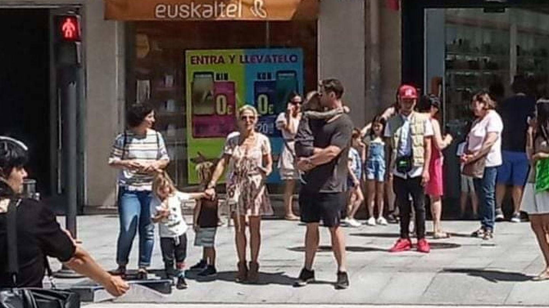 Los Pataky-Hemsworth en una imagen de sus vacaciones. (VA)