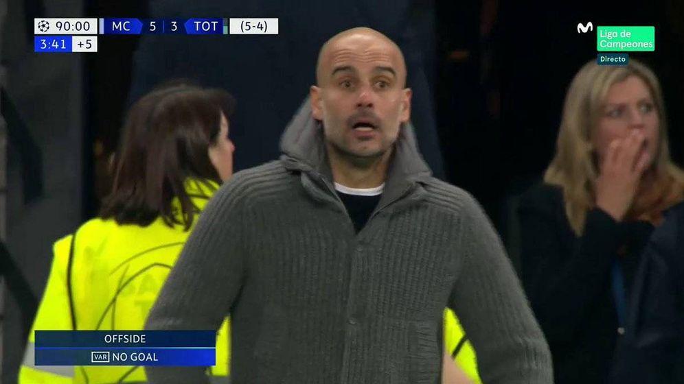 Foto: La cara de Pep Guardiola tras anular su tanto el VAR. (@CasadelFutbol)