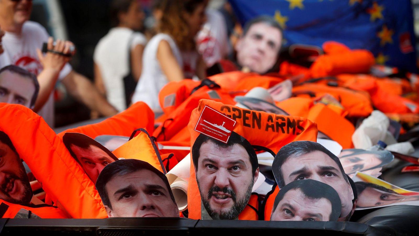 Foto: Manifestación convocada por Open Arms. (EFE)
