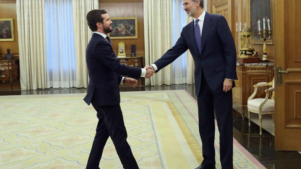 Casado pide a Sánchez que defienda al Rey como hace el verdadero PSOE