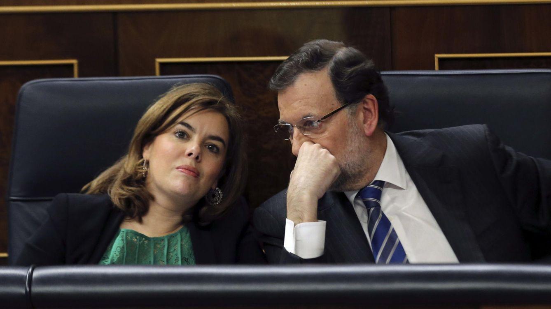 Foto: Soraya Sáenz de Santamaría y Mariano Rajoy, en el Congreso de los Diputados. (EFE)