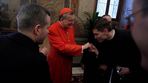 El 'destierro' del cardenal Burke: el Papa envía a su gran rival a una isla del Pacífico