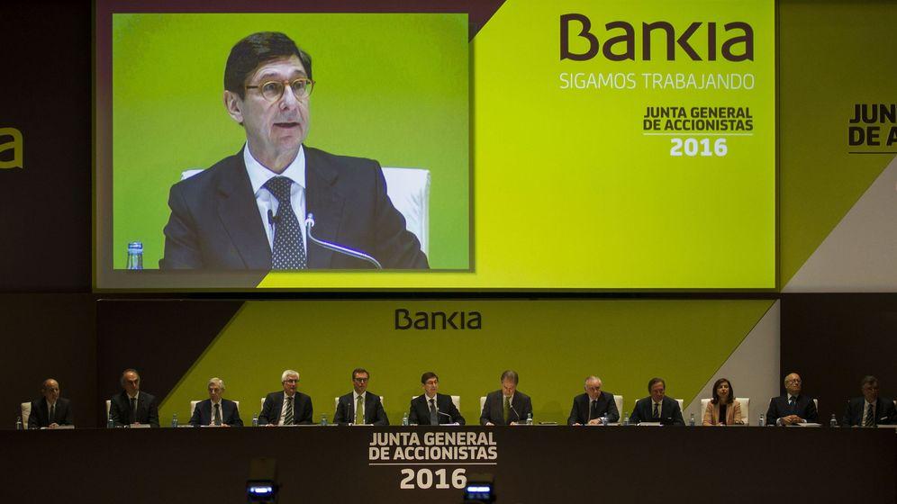 Foto: El presidente de Bankia, Jose Ignacio Goirigolzarri, en la junta de accionistas del pasado mes de marzo. (EFE)