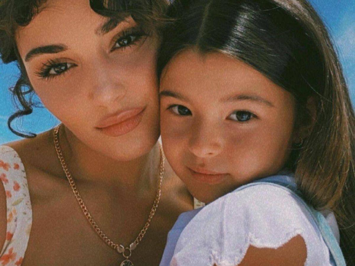 Foto: Las dos actrices, madre e hija en la ficción, en una imagen de sus redes sociales. (Instagram @thebursin)
