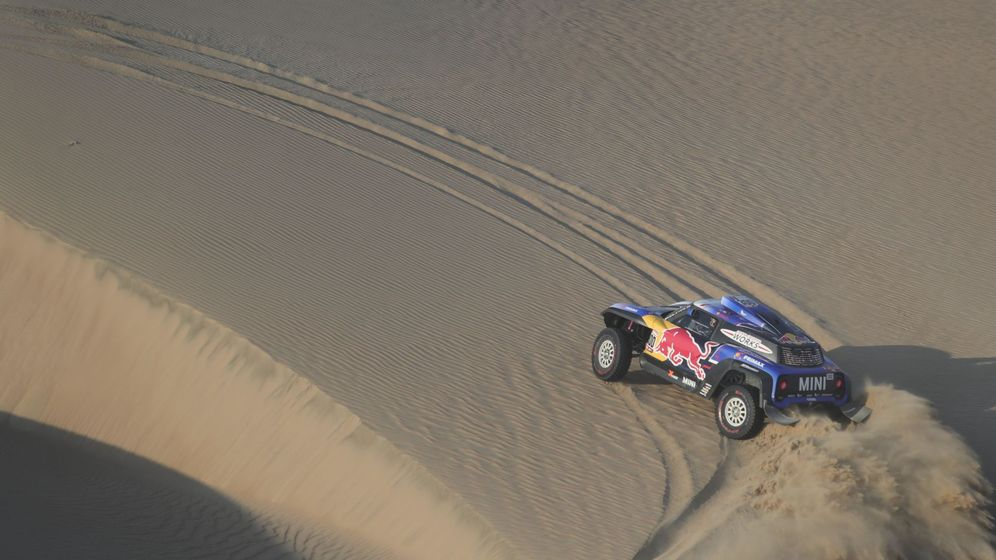 Foto: Carlos Sainz en esta edición del Dakar. (EFE)