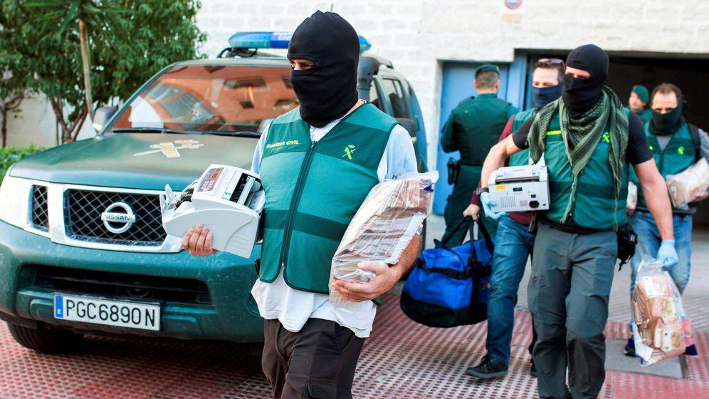 Foto: En la operación se incautaron más de 1000 kilos de hachís e importantes cantidades de dinero en efectivo (EFE/Carlos Díaz)