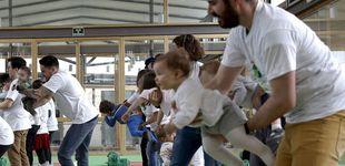 Post de Contra populismos, la UE avanza en lo social: mejores bajas a madres (y padres)