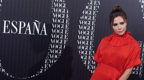 Victoria Beckham tiene el look rojo perfecto para ponerte 100 veces sin aburrirte