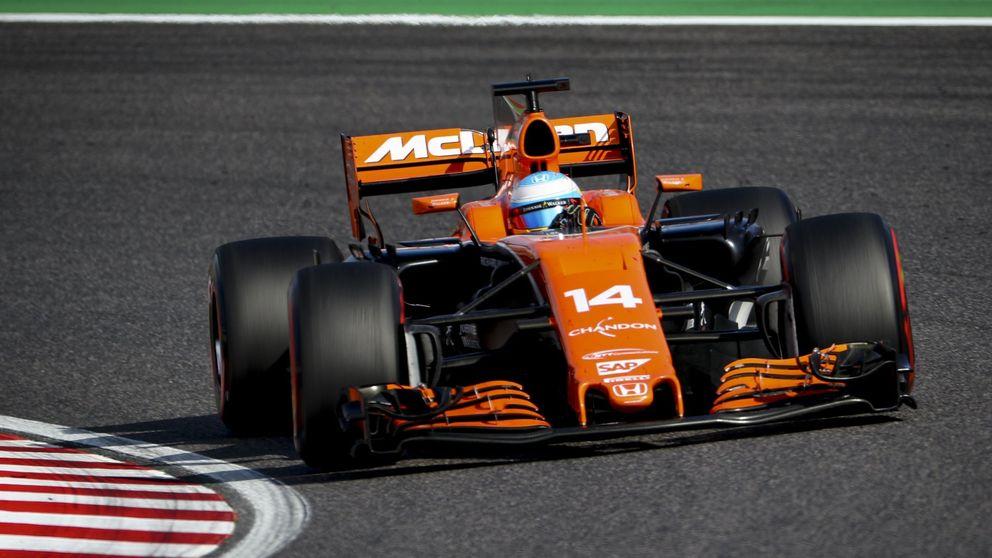 La FIA sanciona a Alonso por estorbar a Hamilton en el GP de Japón