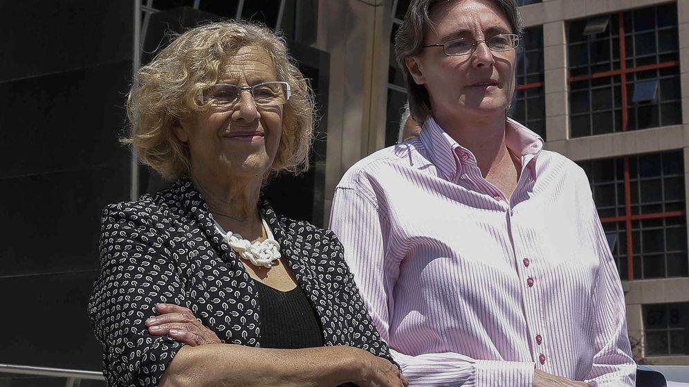 Foto: Manuela Carmena junto a Marta Higueras. (EFE)