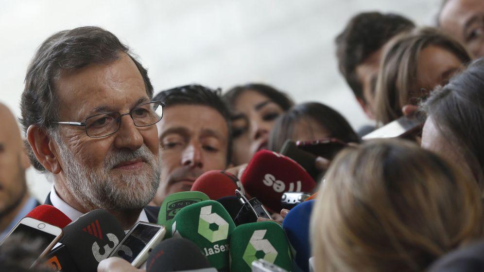 Foto: El presidente del Gobierno, Mariano Rajoy, a la entrada de la Asamblea de la CEOE (Efe)