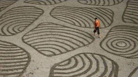 El arte efímero de dibujar sobre la arena