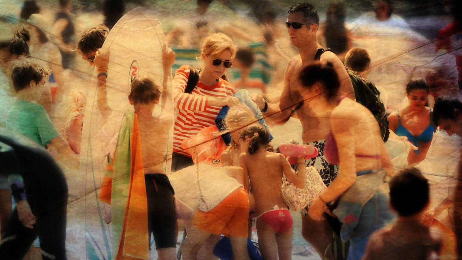 Foto: Una imagen de los Urdangarin en las playas de Biarritz. (Gtres)