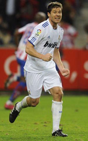 Xabi Alonso: de entrenar con el Madrid a jugar con la selección vasca en un día