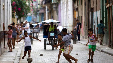 Uniformes en Miami, clases en La Habana: la educación pública cubana se desmorona