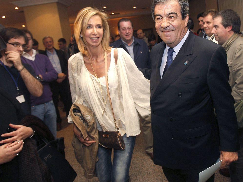 Foto: Álvarez Cascos y María Porto, en una imagen de archivo. (RGR)