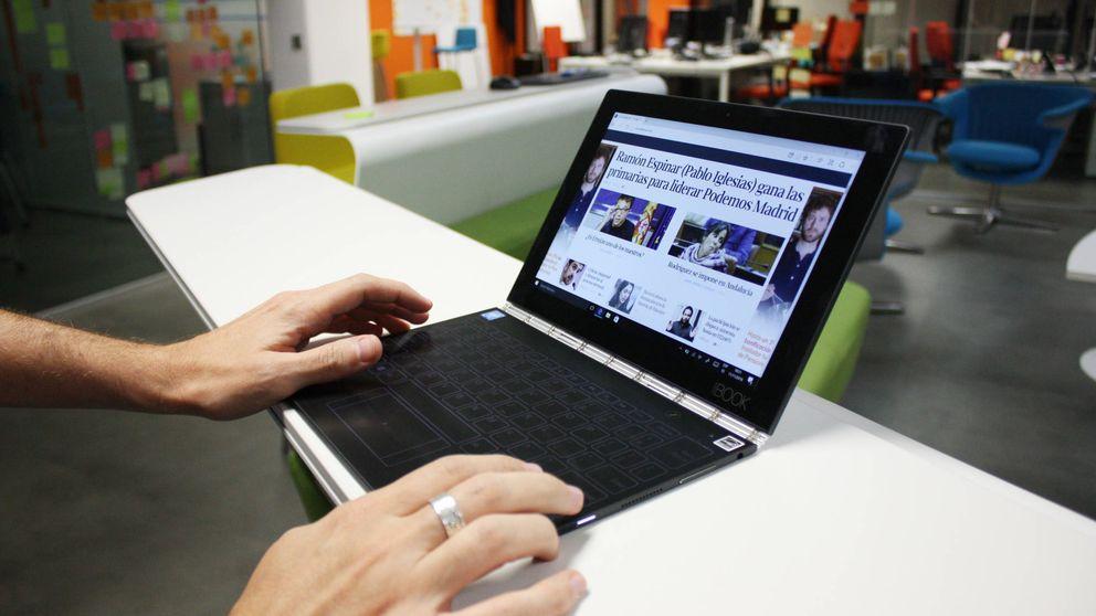 Probamos el Lenovo Yoga Book: el portátil más futurista es el más incómodo