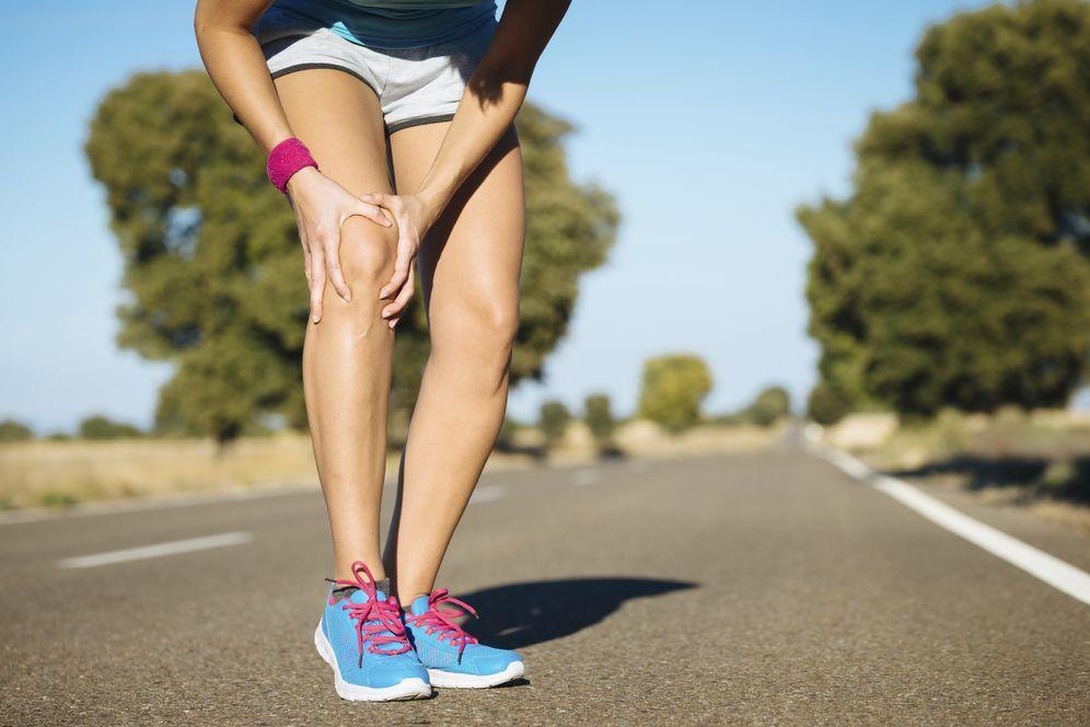 Foto: Si te duele el lateral de la rodilla al correr, puedes sufrir 'rodilla del corredor'. (iStock)
