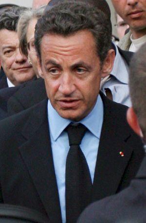 Sarkozy arremete contra dos fotógrafos que le seguían durante sus vacaciones