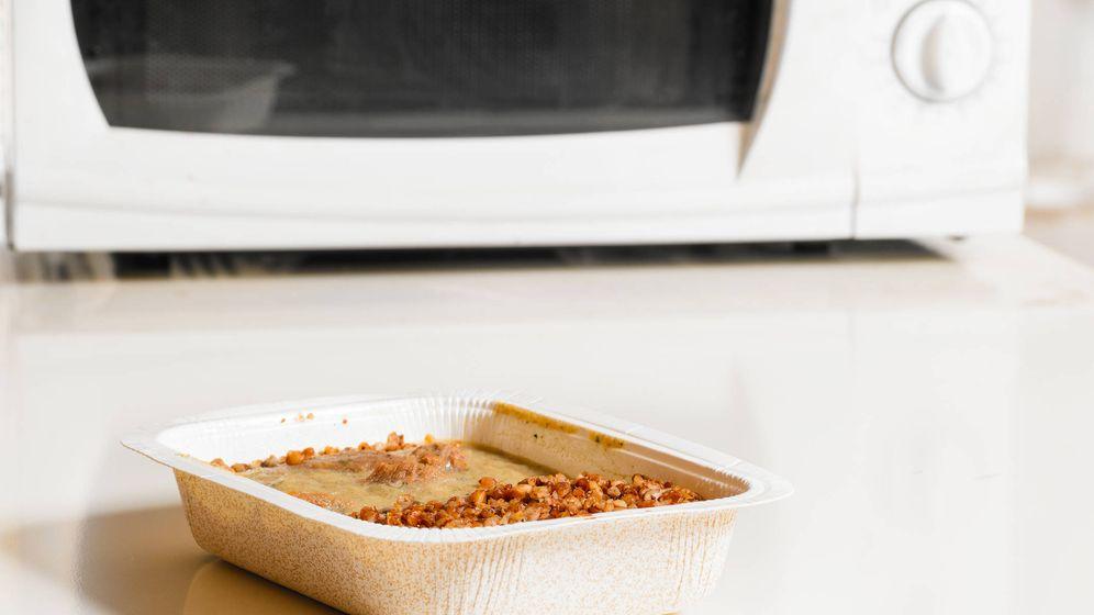 Foto: Envases de comida congelada para microondas. (iStock)