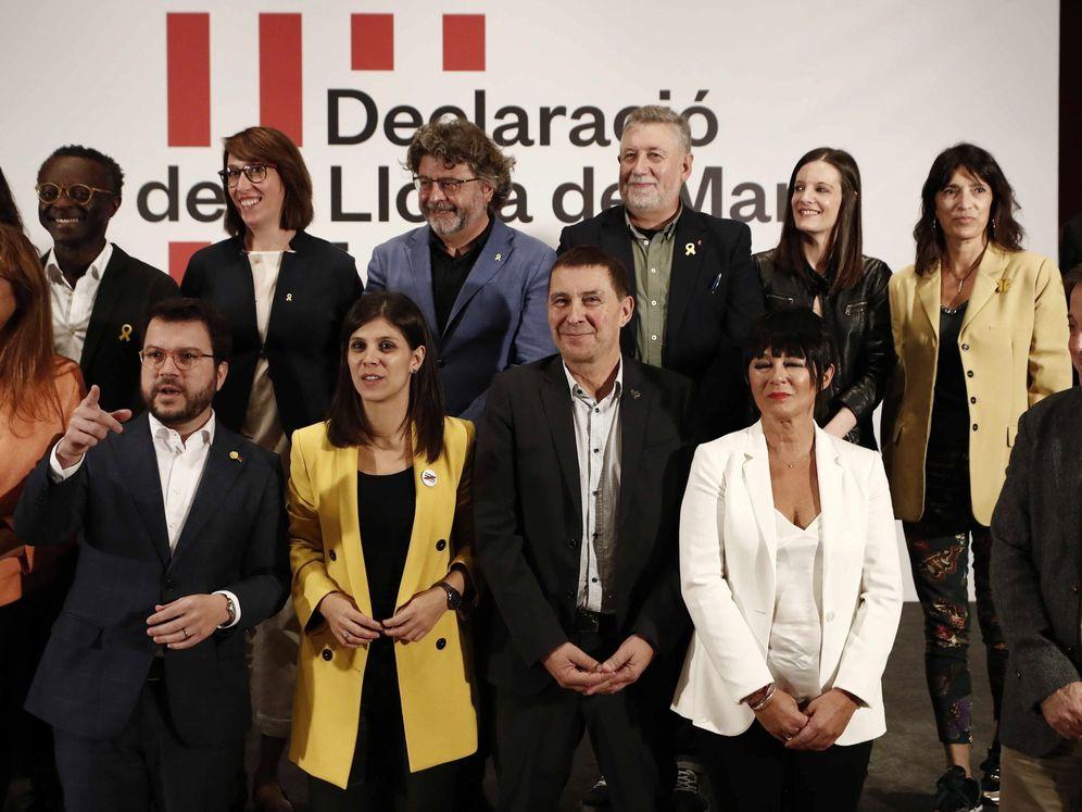 Foto: Partidos nacionalistas firman manifiesto para negociar la autodeterminación. (EFE)