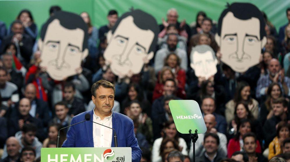 Foto: El candidato número uno al Congreso por Bizkaia, Aitor Esteban. (EFE)
