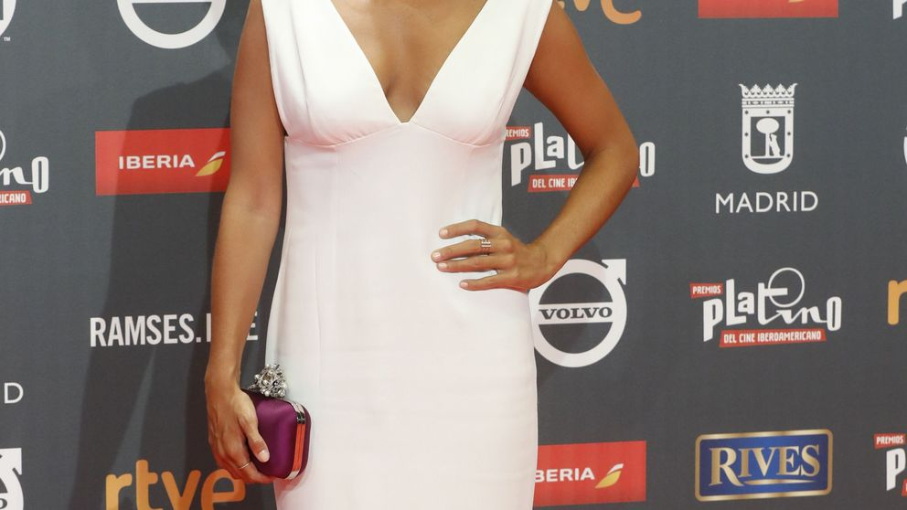 Elena Furiase pisa la alfombra roja con este vestido de novia de Asos