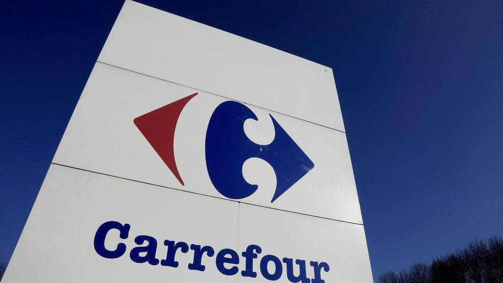 Foto: Logo de Carrefour a la entrada de un hipermercado. (Reuters)