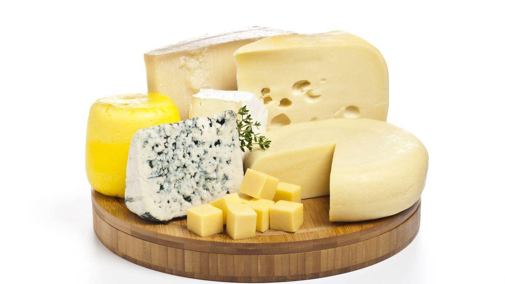 Foto: Diferentes variedades de quesos. (iStock)
