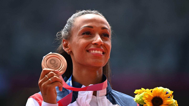 Ana Peleteiro celebrando su medalla de bronce. (Reuters)