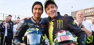 Post de Así fue el intercambio entre Valentino Rossi (MotoGP) y Lewis Hamilton (F1) en Cheste